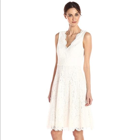 White By Vera Wang Ivory Lace Dress Size 4